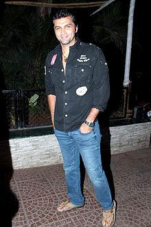 About Chetan Hansraj Actor Biography Detail Info