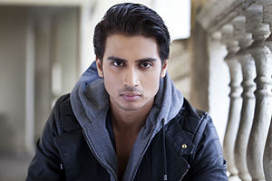 About Shiv Pandit Actor Biography Detail Info