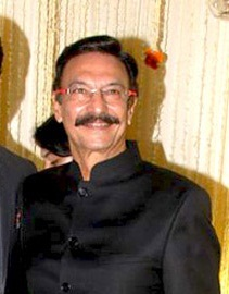 About Suresh Oberoi Actor Biography Detail Info