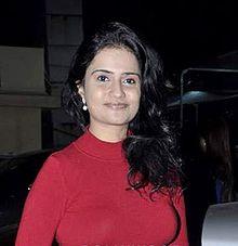 About Amruta Subhash Actress Biography Detail Info