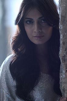 About Dia Mirza Actress Biography Detail Info