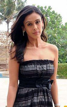 About Hrishitaa Bhatt Actress Biography Detail Info