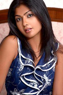 About Kamalinee Mukherjee Actress Biography Detail Info