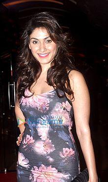 Bollywood Actress Manjari Fadnis Biography