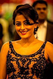 About Nidhi Subbaiah Actress Biography Detail Info