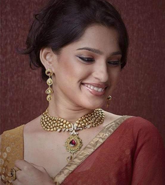 About Priya Bapat Actress Biography Detail Info