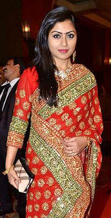 About Rimi Sen Actress Biography Detail Info