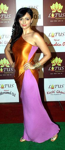 About Roshni Chopra Actress Biography Detail Info