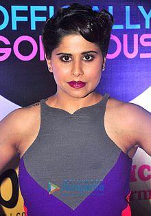 About Sai Tamhankar Actress Biography Detail Info