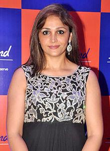 About Sandali Sinha Actress Biography Detail Info
