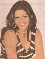 Bollywood Actress Simple Kapadia Biography