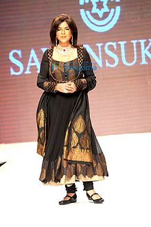 About Zeenat Aman Actress Biography Detail Info